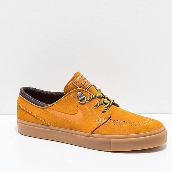 new arrival 741b3 55934 Nike SB Janoski Premium Bronze   Gum Suede Shoes. M 5c9408e1aaa5b850215c197f